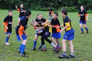 Fete si baieti, cu totii la rugby!